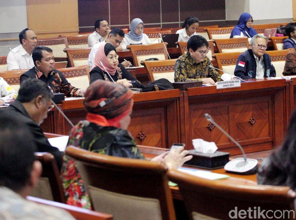 Komisi I DPR dan KPI Gelar Rapat Dengar Pendapat