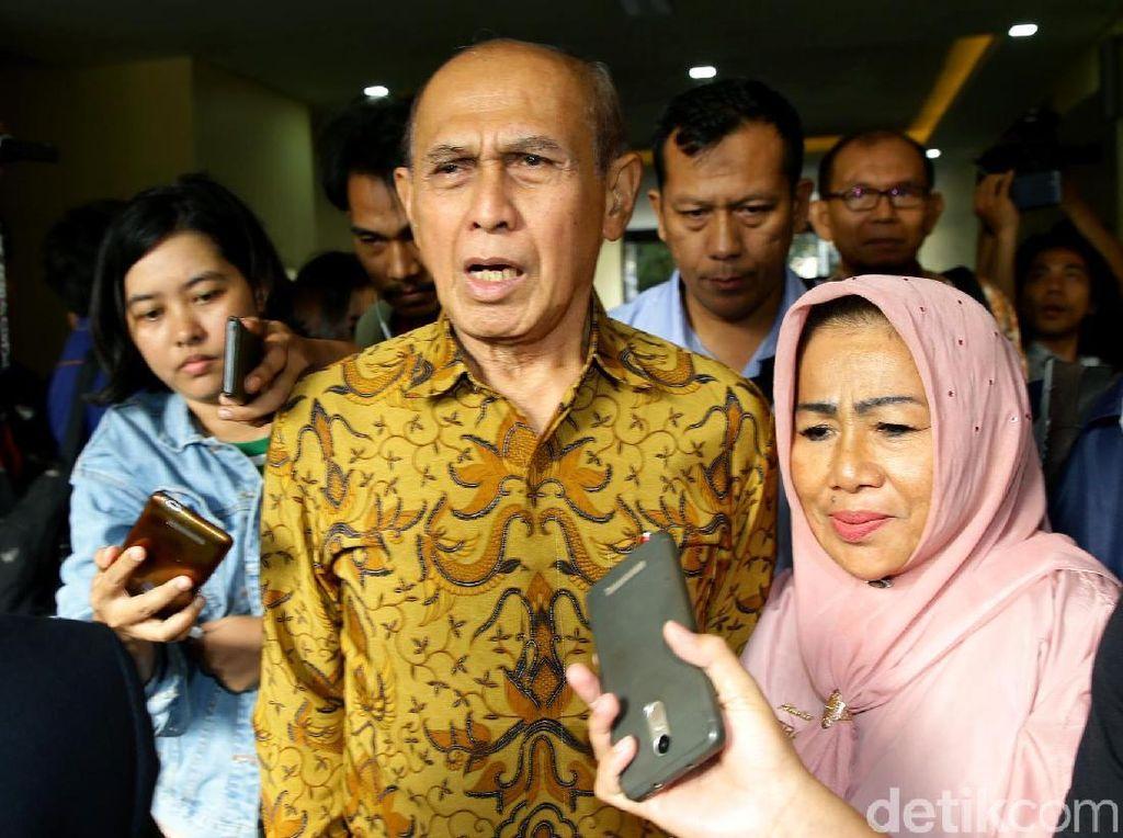 Wiranto Tolak Lindungi Kivlan, Pengacara Singgung Hubungan Politis