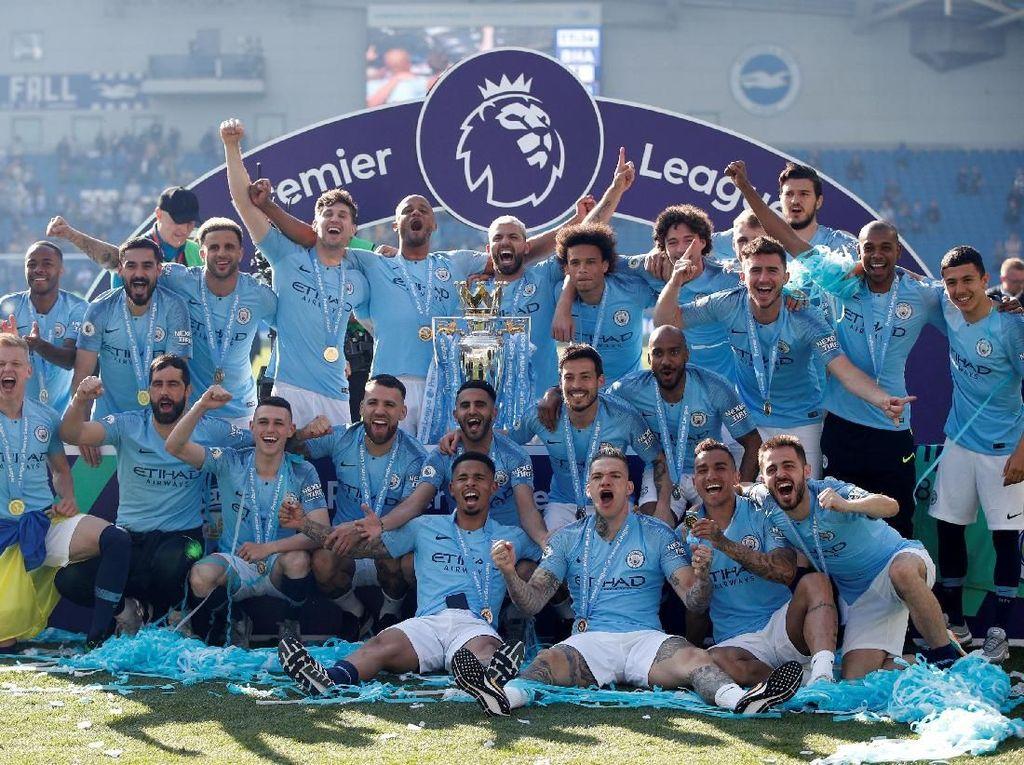 Ada Yaya Toure dalam Perayaan Juara Man City