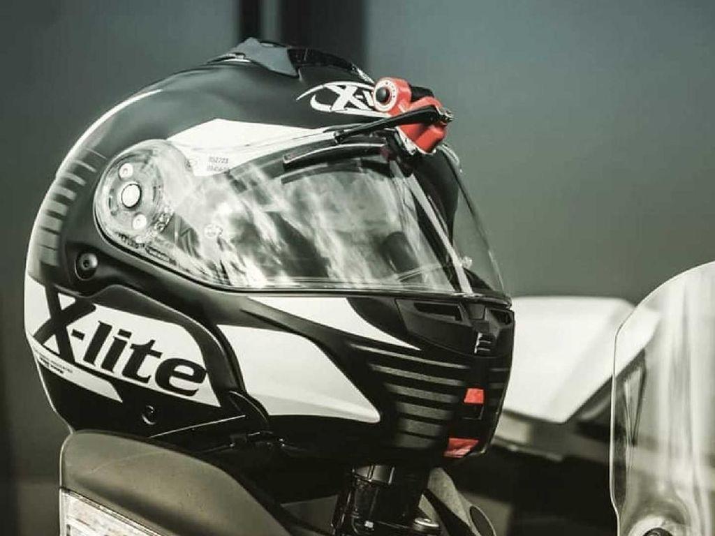 Keren Nih! Wiper Helm untuk Bantu Penglihatan Pemotor saat Hujan