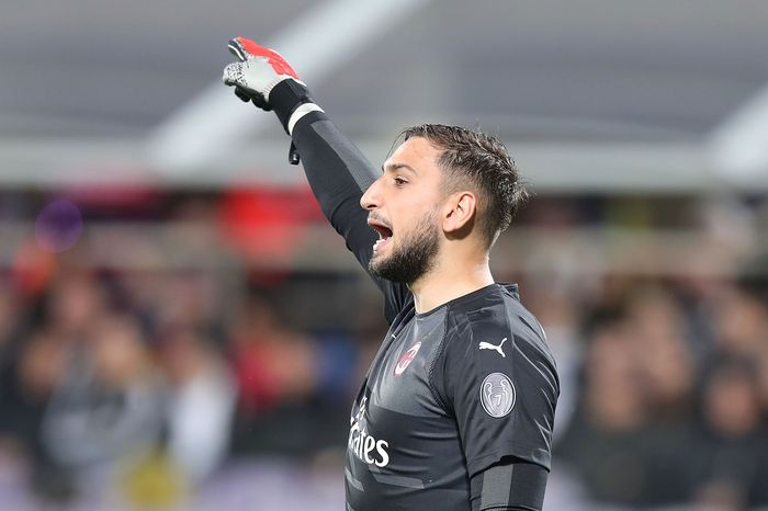 FLORENCE, ITALY - MAY 11: Gianluigi Donnarumma of AC Milan reacts during the Serie A match between ACF Fiorentina and AC Milan at Stadio Artemio Franchi on May 11, 2019 in Florence, Italy.  (Photo by Gabriele Maltinti/Getty Images)