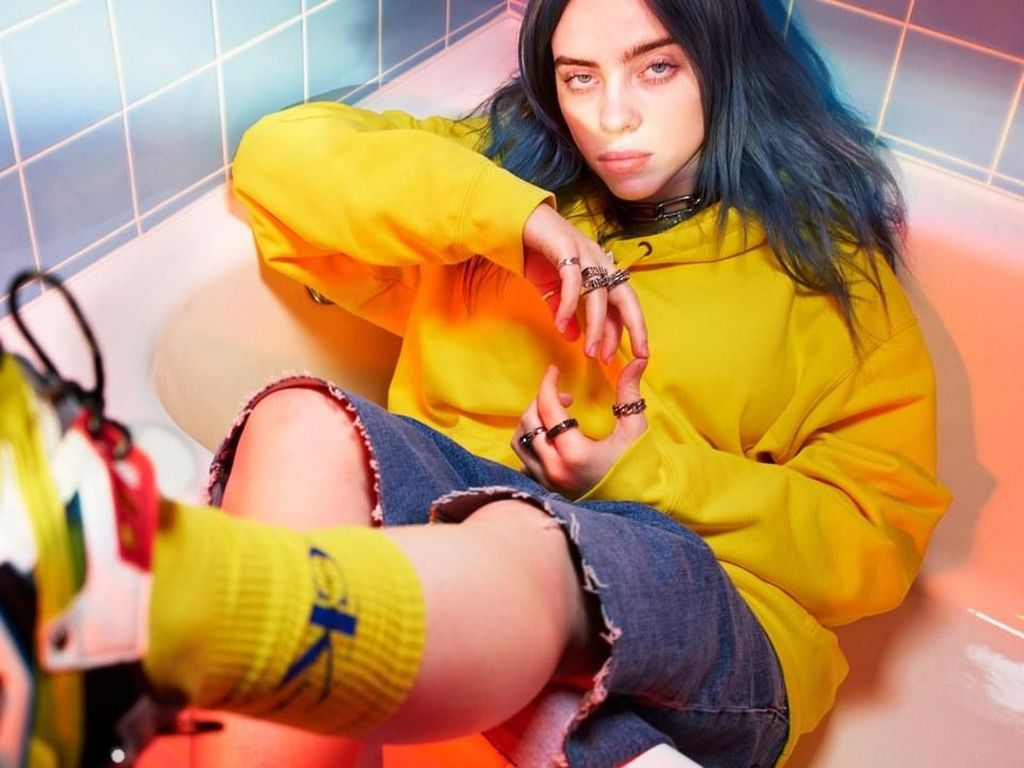 Lagu Gloomy Billie Eilish untuk James Bond No Time To Die Dirilis