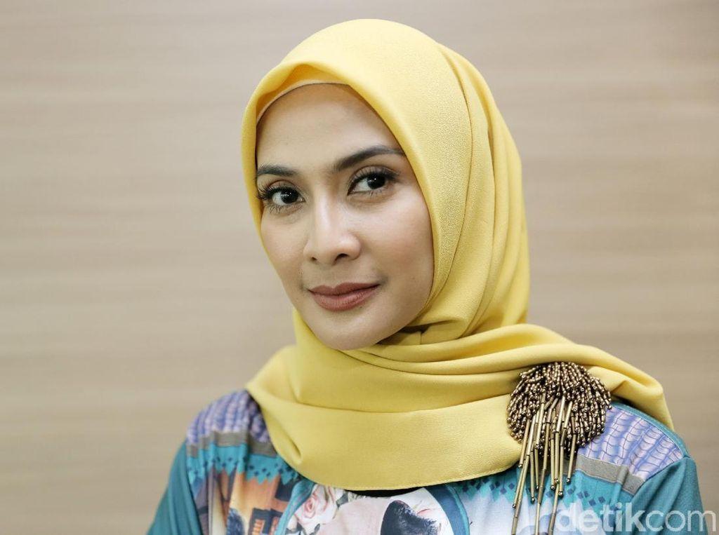 Alasan Maudy Koesnaedi Pakai Hijab Selama Ramadhan