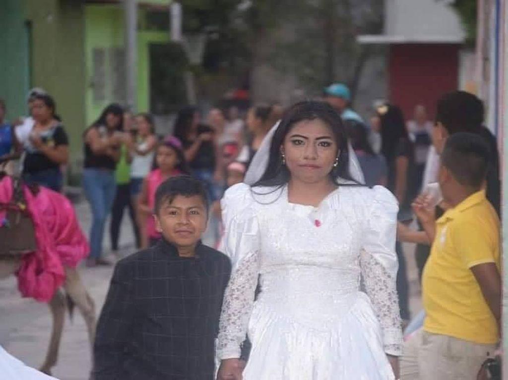 Foto Viral Bocah Nikahi Wanita Dewasa Buat Heboh, Ini Faktanya