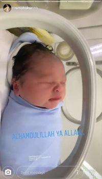 Tasya Kamila melahirkan/