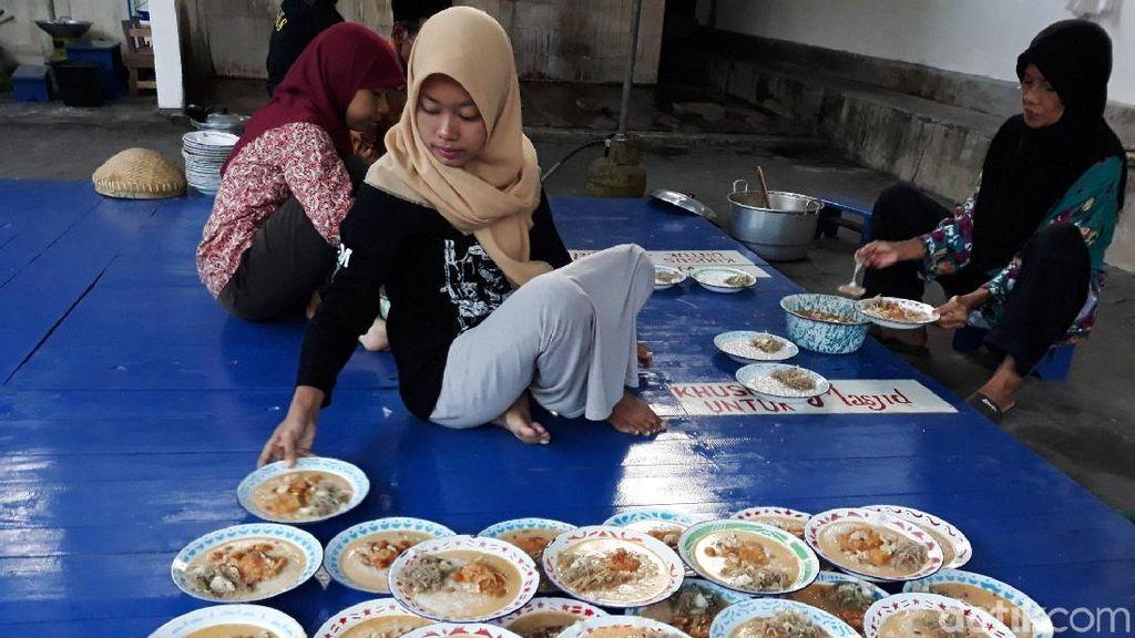 Masjid di Bantul Sediakan Takjil Bubur Sayur Selama Ramadhan