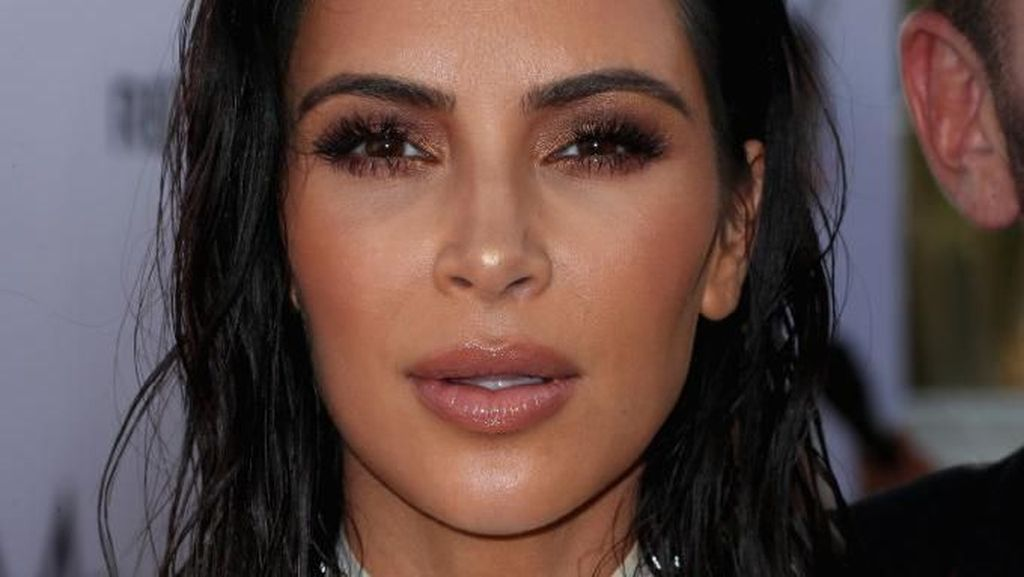 Foto: Gaya Seksi Kim Kardashian Populerkan Tren Tampil Basah