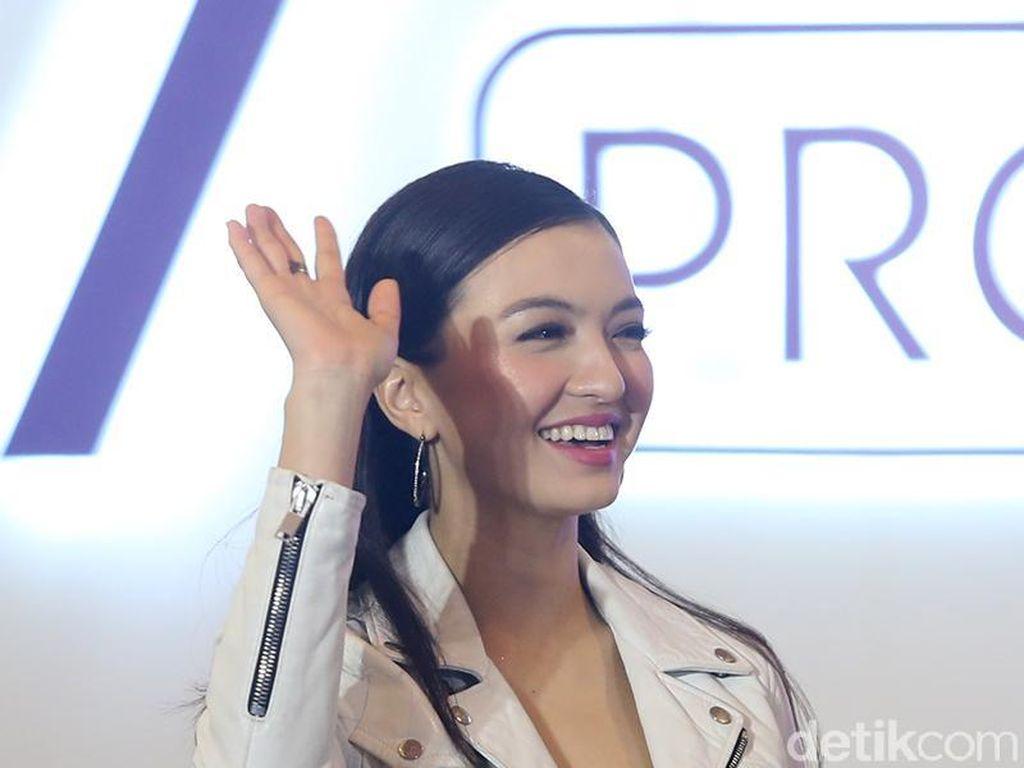 Masuk Nominasi E! Peoples Choice Awards 2019, Raline Shah Senang Banget