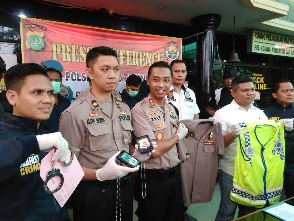 Peras dan Tuding Korban sebagai Penjudi, Polisi Gadungan Diciduk