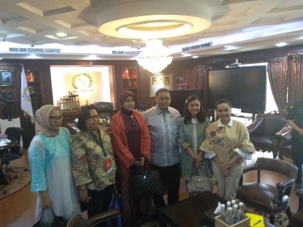 Kelompok Emak-emak Temui Fadli Zon di DPR Bahas Petugas KPPS yang Meninggal