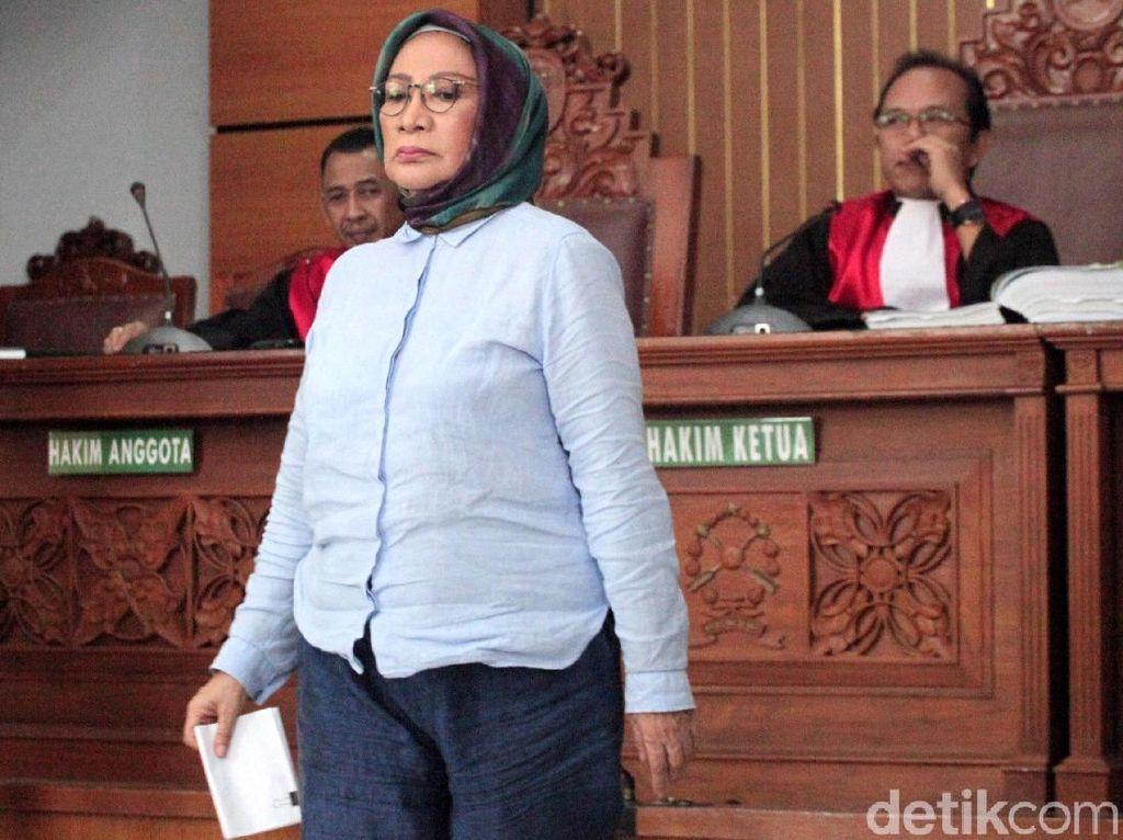 Ratna Sarumpaet Dituntut 6 Tahun Penjara