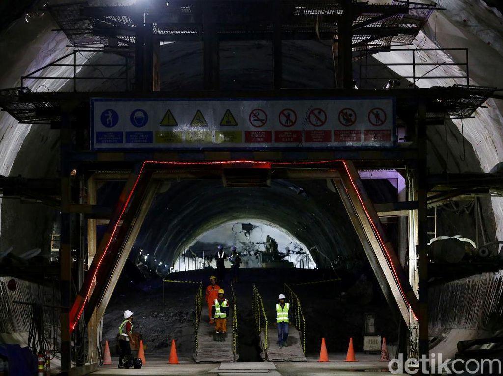 1 dari 13 Terowongan Kereta Cepat JKT-BDG Akhirnya Tembus