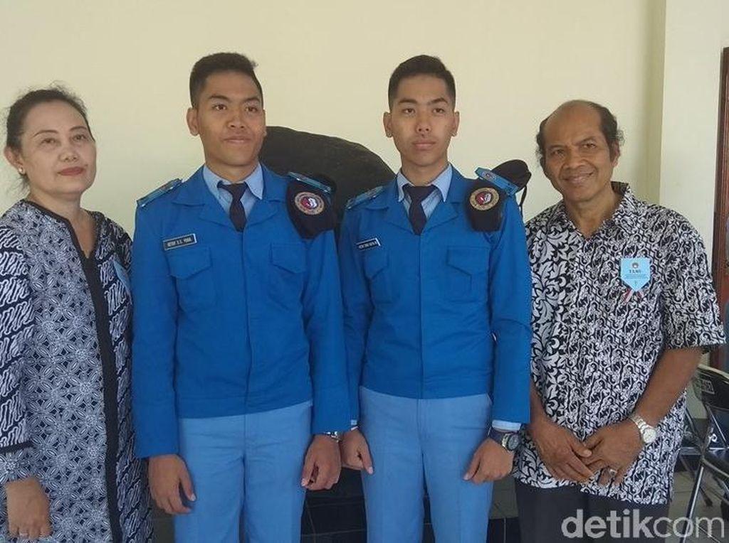 2 Siswa Kembar Raih Penghargaan Saat Wisuda SMA Taruna Nusantara