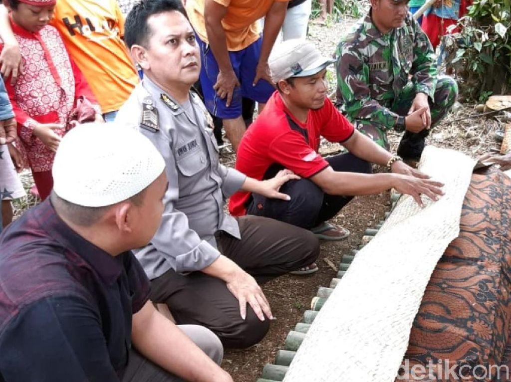 Pohon Tumbang di Sukabumi Tewaskan Suami yang Tengah Bonceng Istri