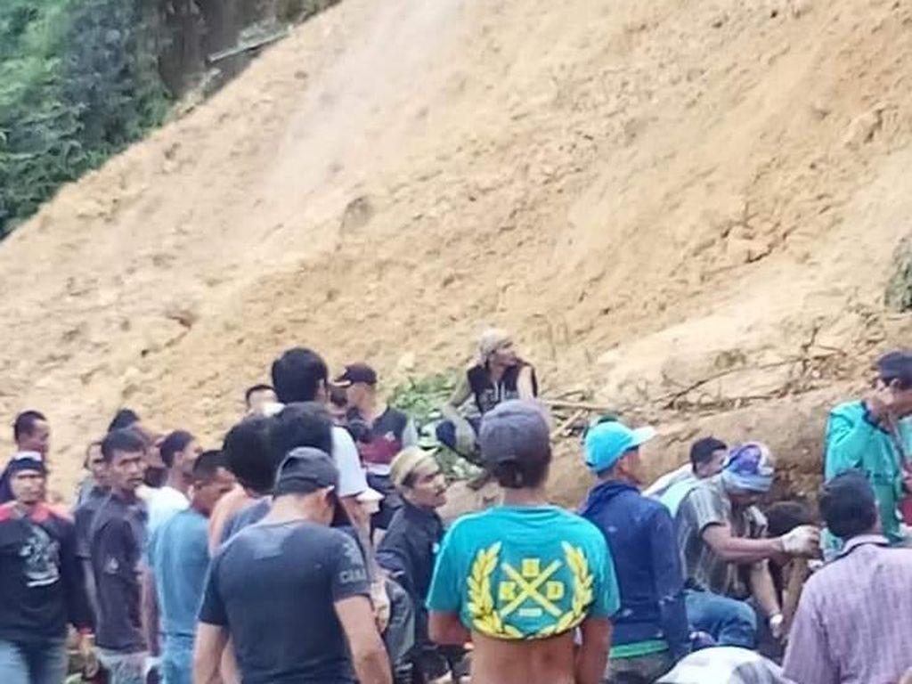 Longsor Tambang Emas Rakyat di Bogor: 20 Orang Tertimbun, 5 Tewas