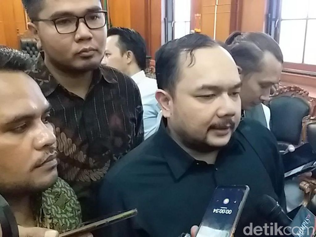 Ahmad Dhani Minta Dipindah ke Jakarta Agar Bisa Lebaran Bareng Keluarga
