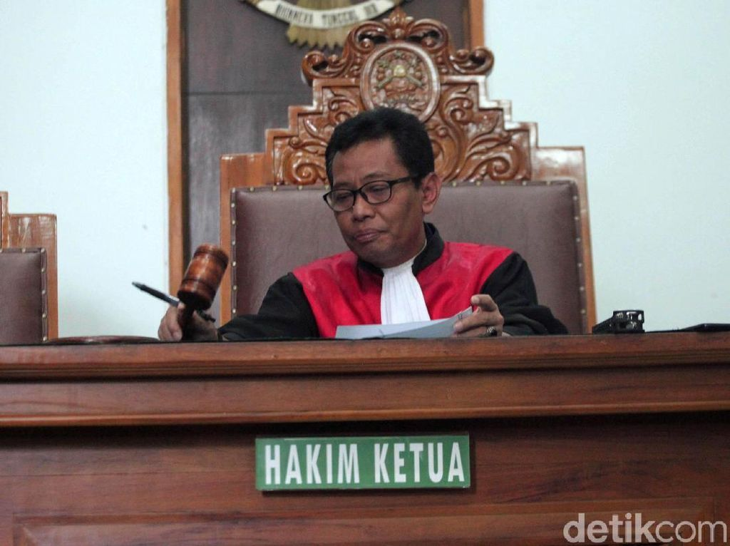 Tok! Hakim Tolak Praperadilan Romahurmuziy