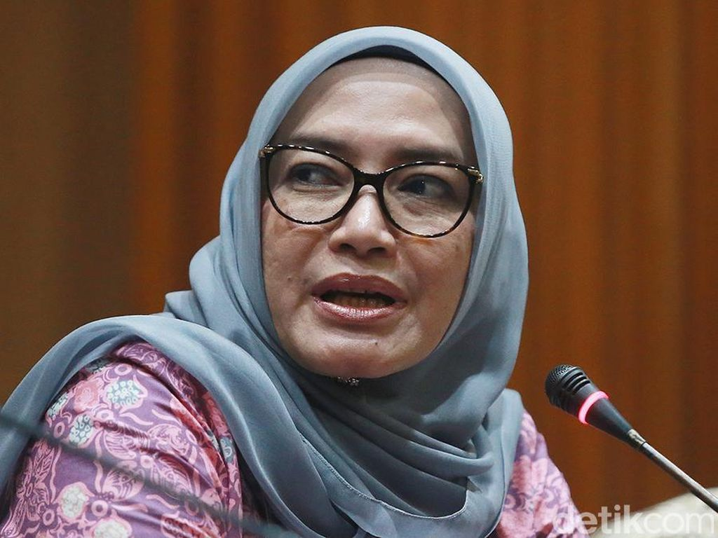 Jokowi Cabut Keppres, Evi Novida Kembali Jadi Komisioner KPU