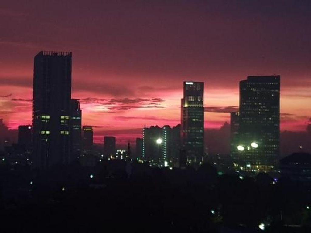 Potret Manis Senja di Selatan Jakarta