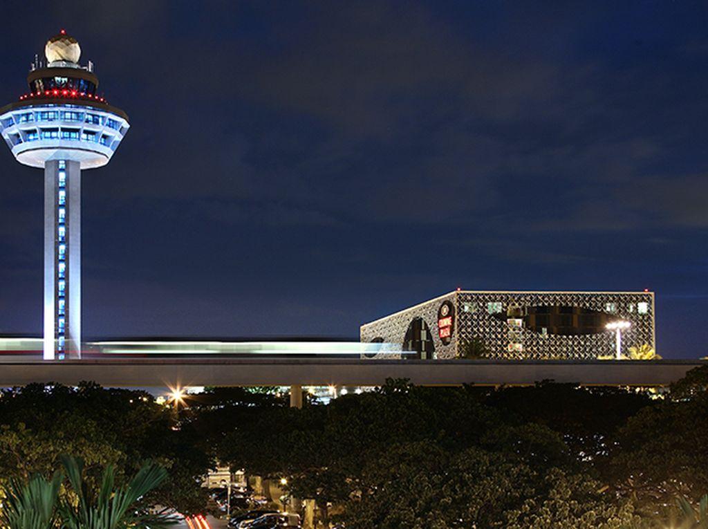 Bandara Changi Segera Buka, tapi...