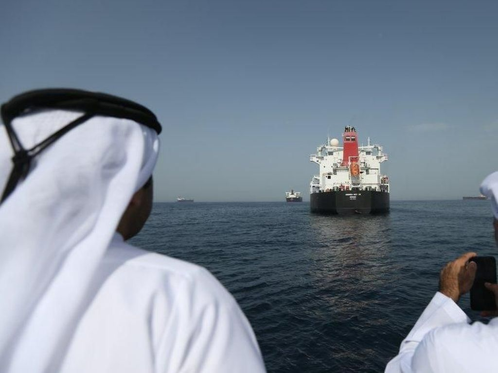 Kapal Minyak Arab Saudi Diserang, Buntut Manuver AS di Timur Tengah?