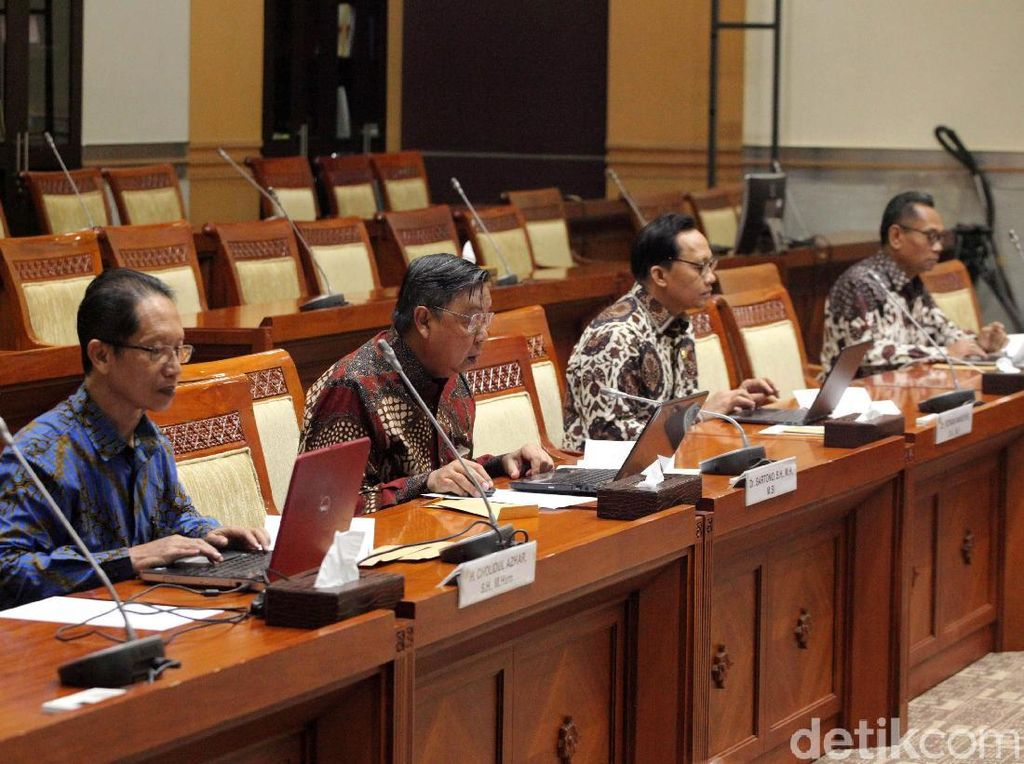 Komisi III Undang Calon Hakim Agung ke DPR