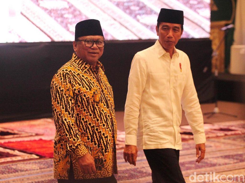 Momen Jokowi Bukber dan Salat Berjemaah di Rumah OSO