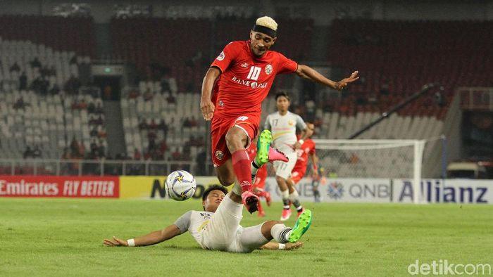Aksi Bruno Matos di laga terakhir fase grup Piala AFC 2019. (Foto: Rifkianto Nugroho)