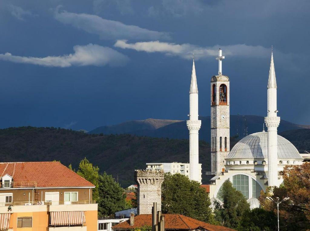 Foto: Aneka Tempat Cantik di Negara Paling Toleran Dunia