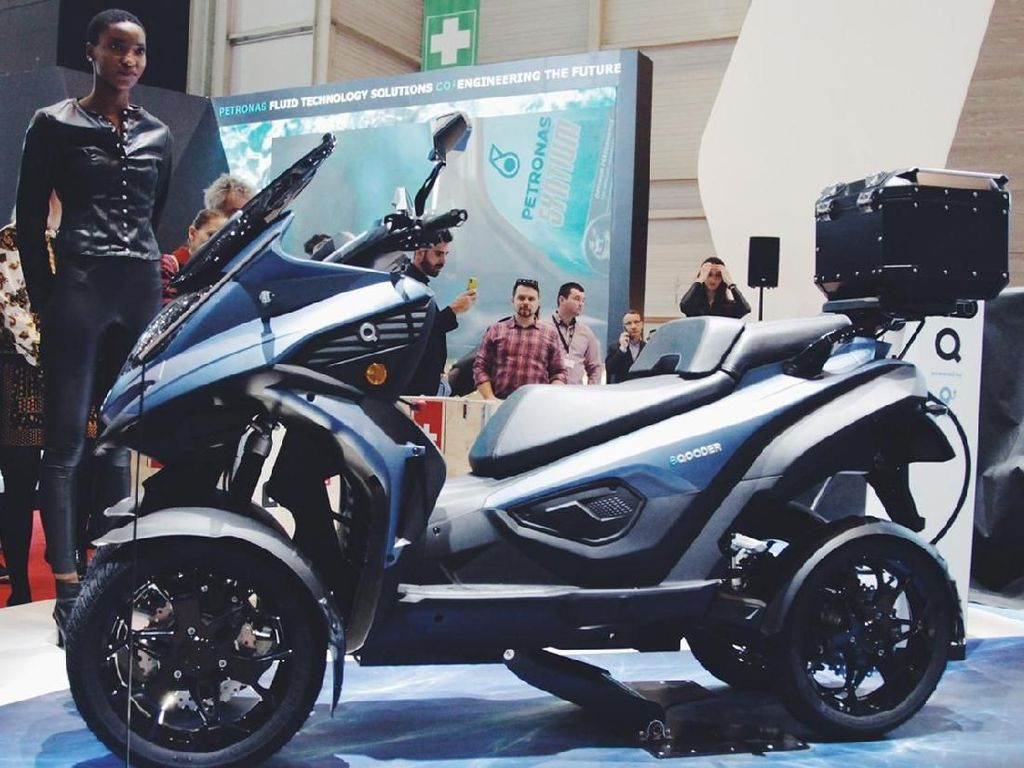 Tampang Motor Listrik 4 Roda Pertama di Dunia