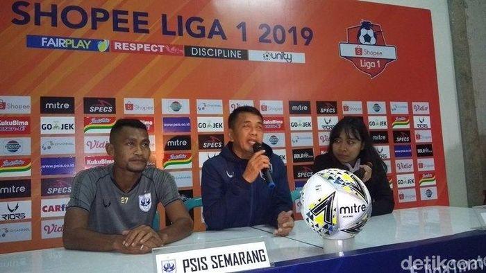 Jafri Sastra memberi keterangan pers jelang pertandingan PSIS Semarang vs Kalteng Putra di pekan pertama Liga 1 2019. (Foto: Eko Susanto/detikSport)