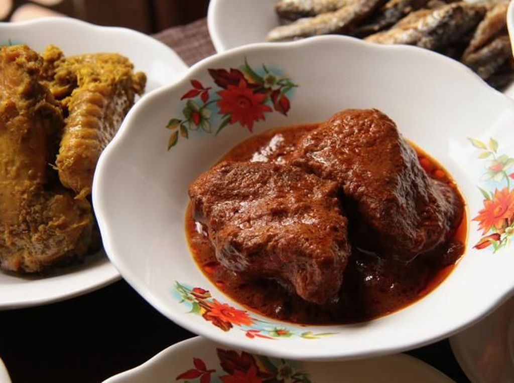 Masakan Minang Menyehatkan hingga Cuitan Jajan Pakai Rp 100 Ribu