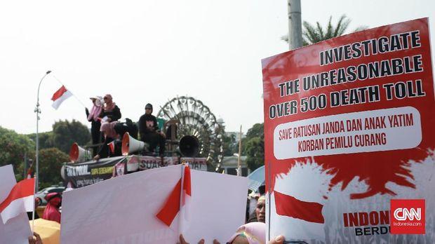 Demo kubu 02 yang memprotes Situng KPU dan mengaitkannya dengan kecurangan pemilu.