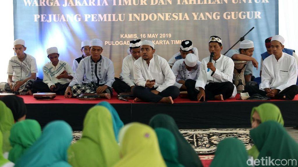 Warga Jaktim Doa Bersama untuk Petugas KPPS yang Meninggal
