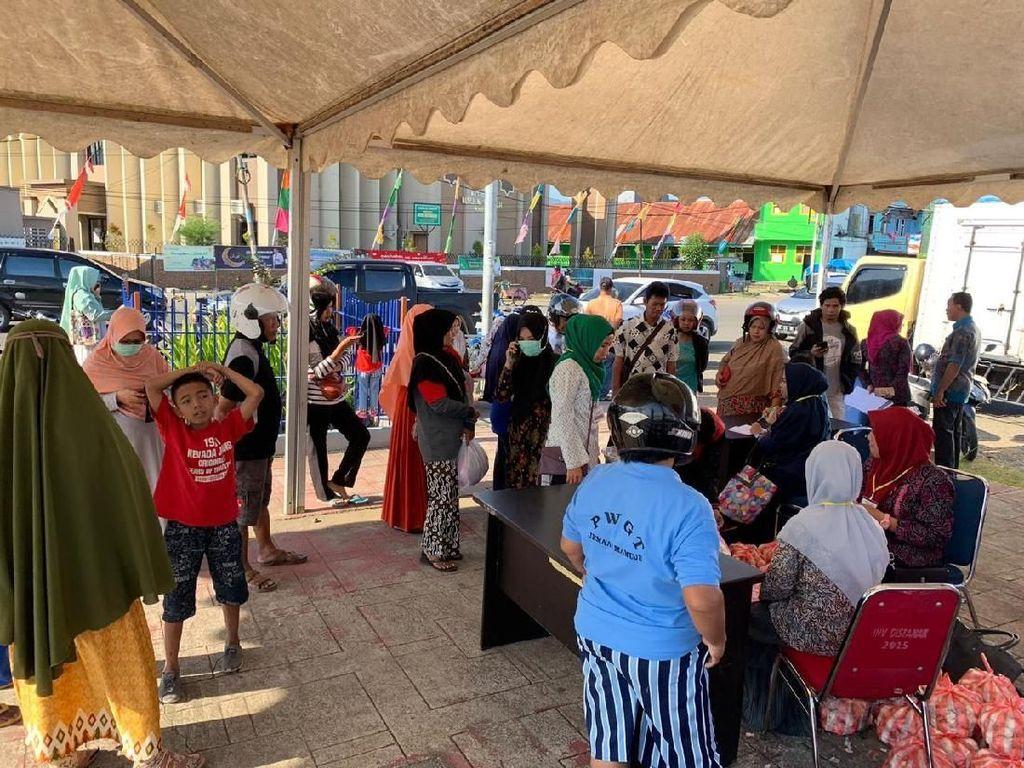 Operasi Pasar Bawang Putih di Mamuju dan Majene Diserbu Warga