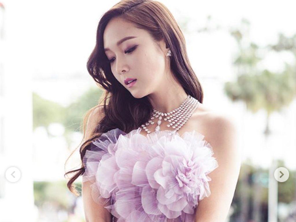 Cantik! Ini Bocoran Sampul Novel Jessica Jung yang Terbit di Indonesia