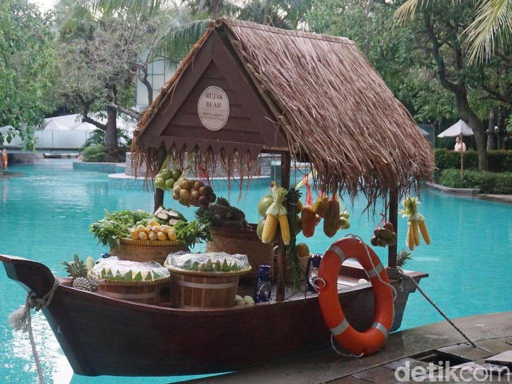 Berbuka dengan Nasi Goreng Mangut hingga Durian di Kampung Air