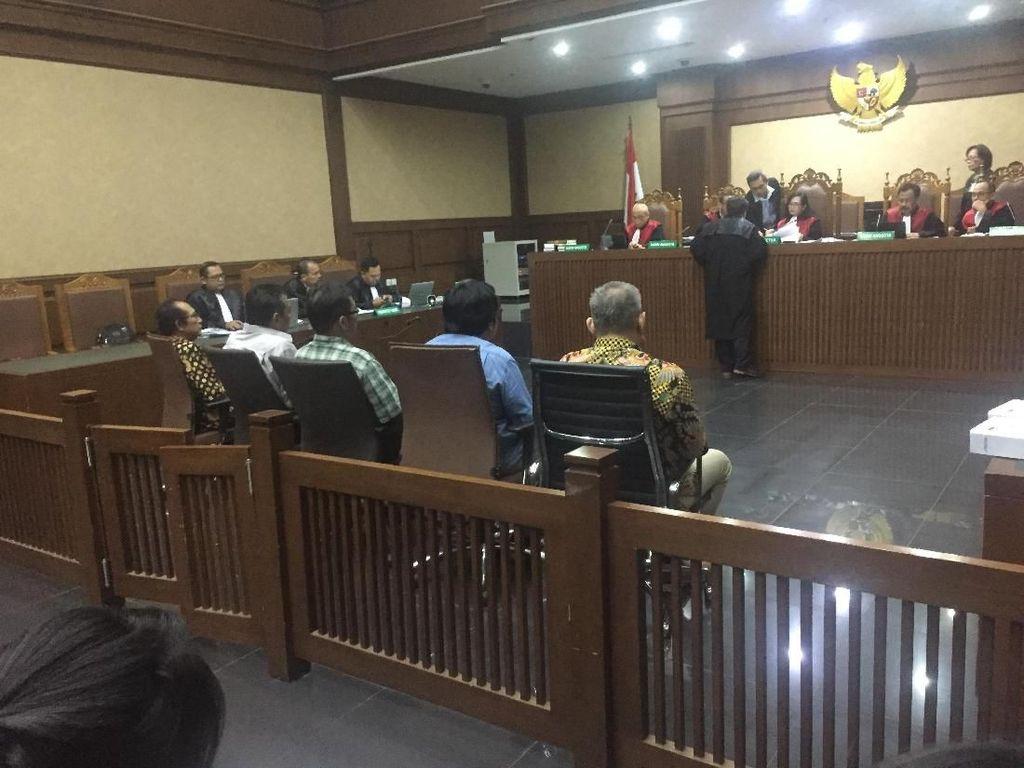 Saksi Cerita Awal Pemberian Suap Urus Perkara ke 2 Hakim PN Jaksel