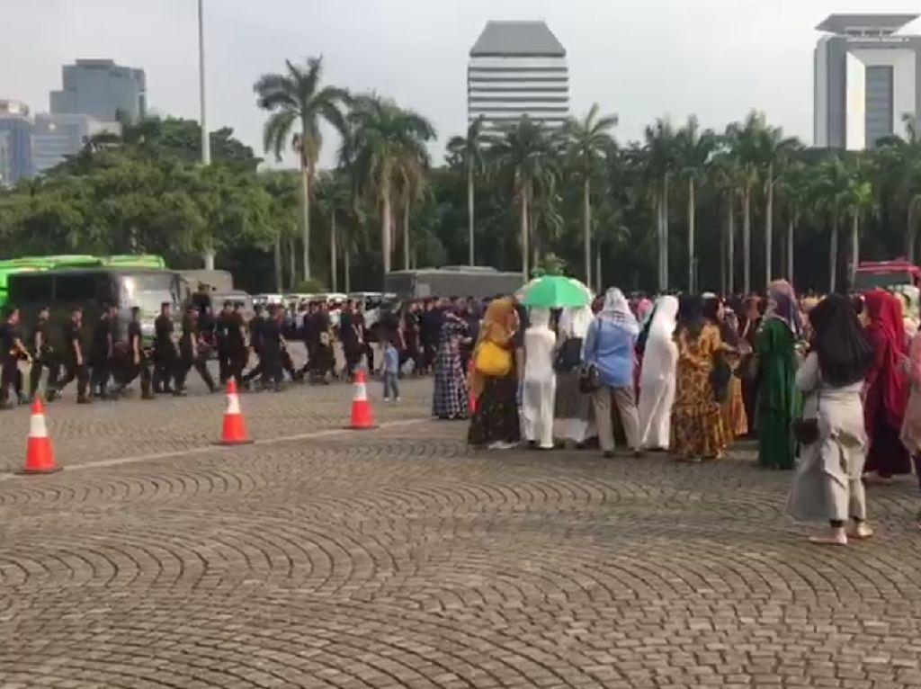Suasana Monas Jelang Buka Puasa Bersama Jokowi