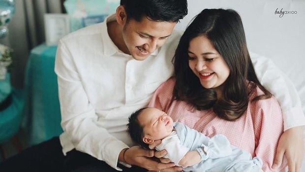 Tasya Kamila, suami, dan putranya