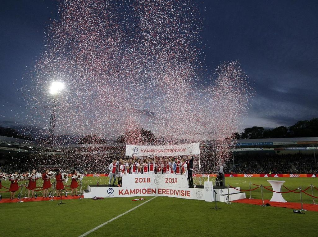 Ajax Juarai Eredivisie 2018/2019