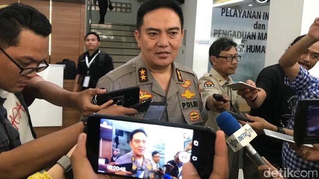 polisi-temukan-ambulans-parpol-penuh-batu-dan-alat-untuk-massa-22-mei