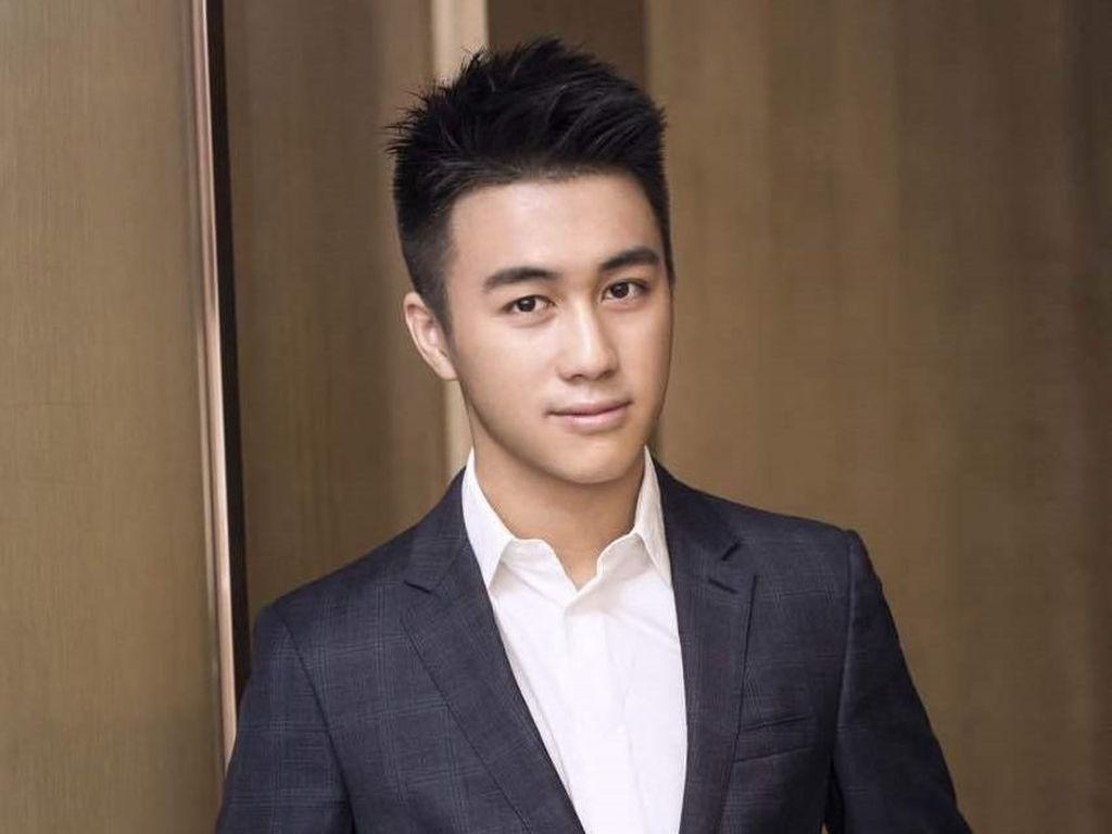 Ketampanan Mario Ho, Putra Raja Judi yang Disebut Hamili Supermodel