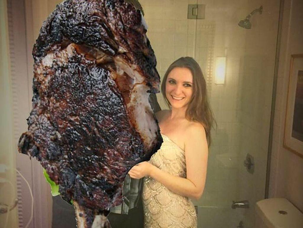 Putus Cinta, Wanita Ini Pilih Tutupi Foto Mantan Pakai Foto Steak!