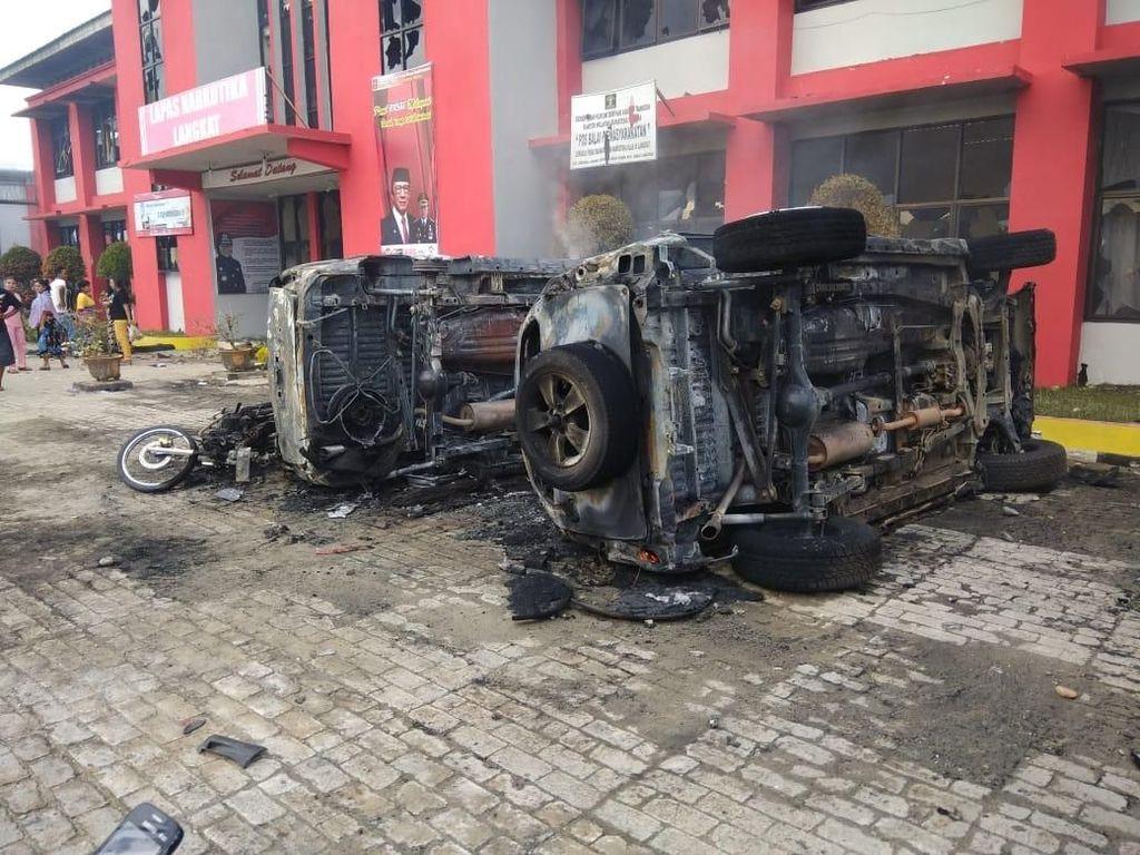 Imbas Kerusuhan di Lapas Langkat: 1 Petugas Luka, 16 Kendaraan Terbakar