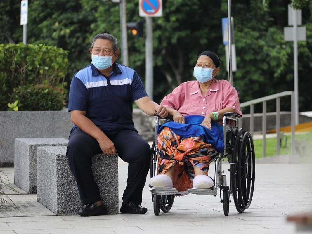 AHY Jelaskan Kondisi Kesehatan Ani Yudhoyono yang Kembali Masuk ICU