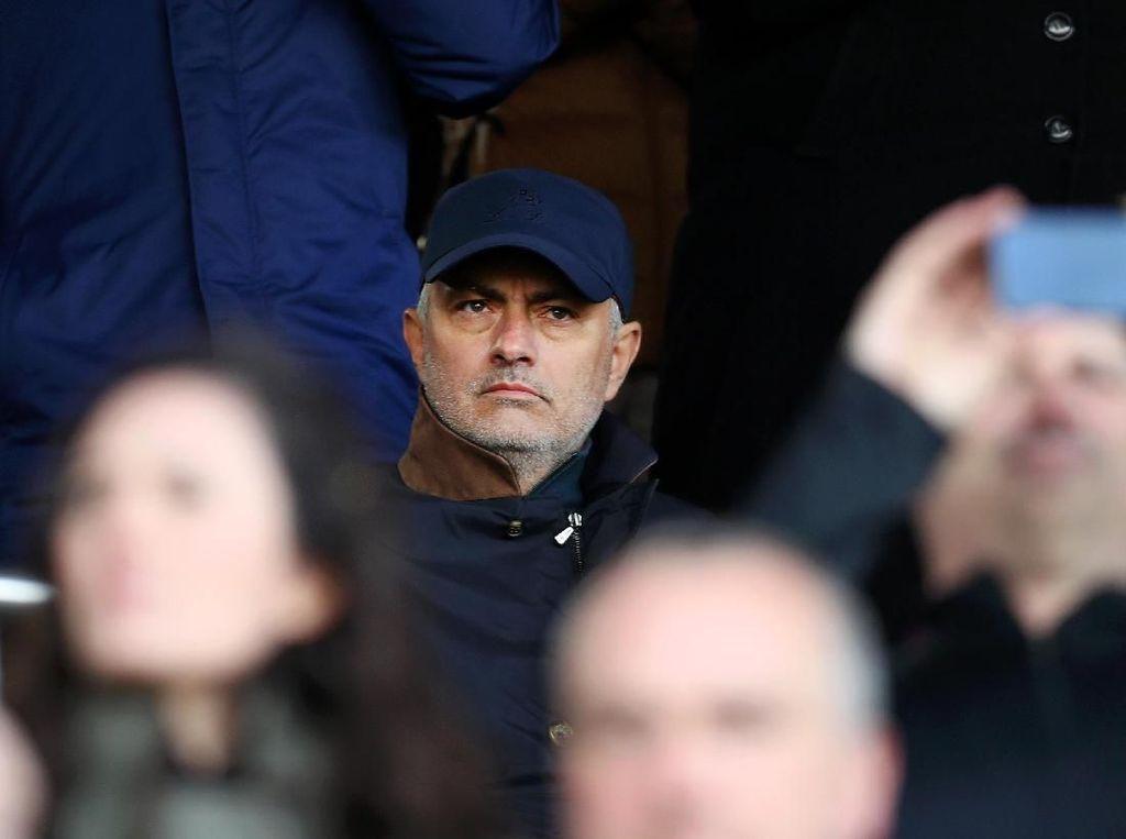 Mourinho Belajar Bahasa Jerman, Siap-siap ke Bundesliga?