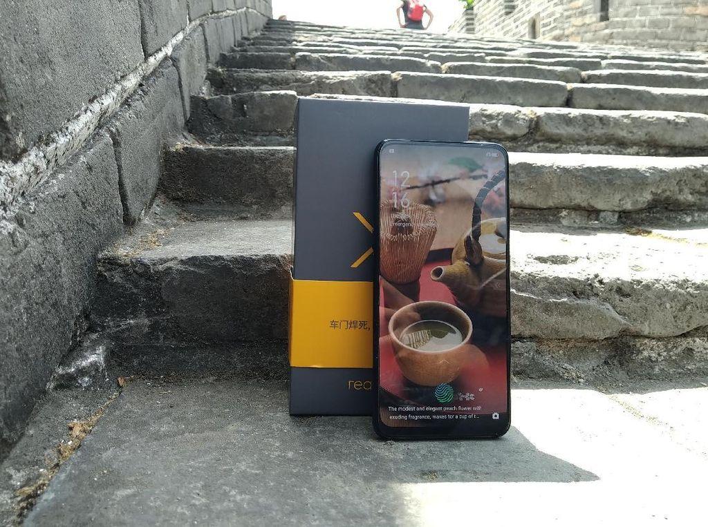 Aksi Realme X di Tembok Besar China
