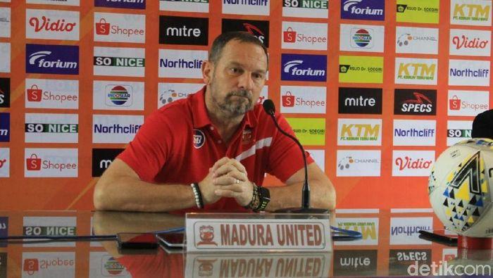Dejan Antonic, pelatih Madura United (Eko Sudjarwo/detikSport)