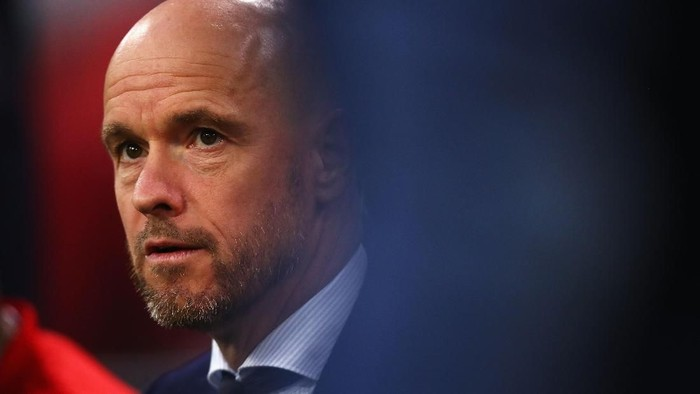 AMSTERDAM, NETHERLANDS - APRIL 23: Ajax Head Coach / Manager, Erik ten Hag looks on during the Eredivisie match between Ajax and Vitesse at Johan Cruyff Arena on April 23, 2019 in Amsterdam, Netherlands. (Photo by Dean Mouhtaropoulos/Getty Images)
